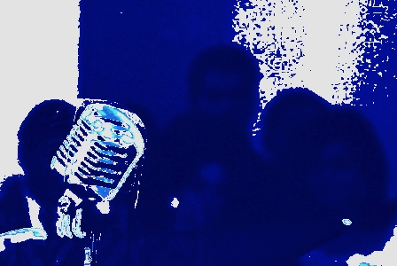 image-of-a-vintage-blue-microphone